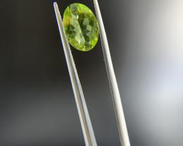 2.30 ct Peridot Loose Gemstone - Natural Gemstone - Oval Shape - Green
