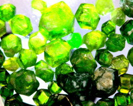 13.32-CTS DEMANTOID GARNET ROUGH  RG-4236