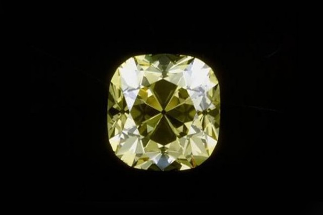 The 10 Biggest Diamonds Ever Found  Biggest Diamonds In The World