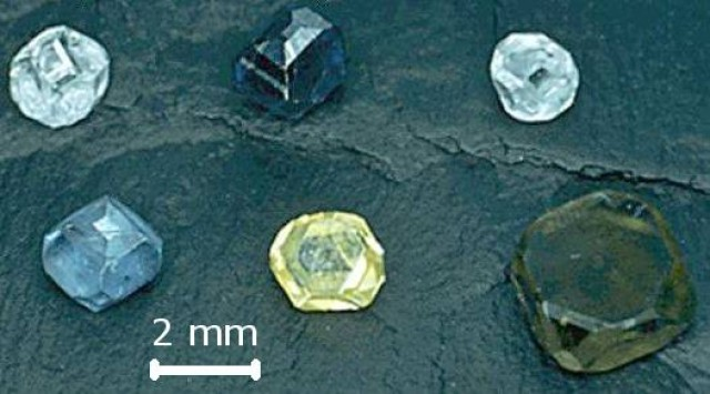 Synthetic HPHT Diamonds