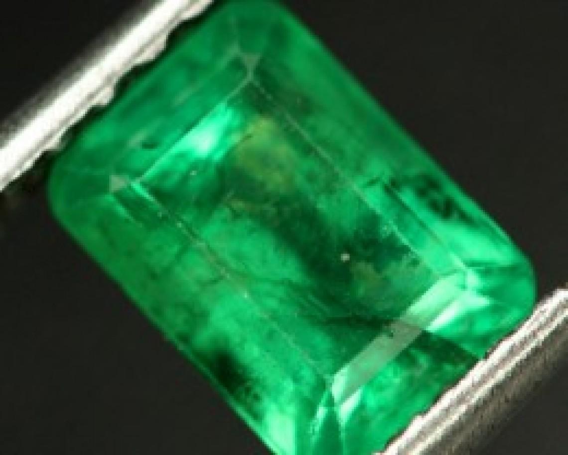healing stones emerald