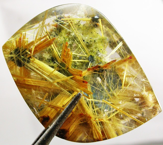 rutile in quartz known as rutilated quartz