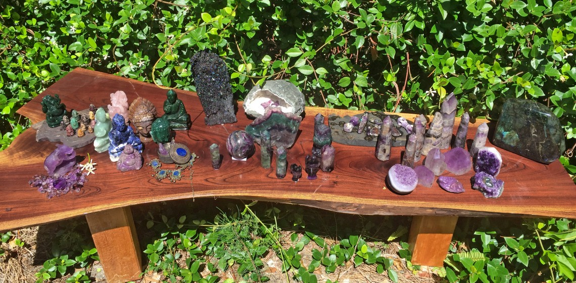 Holistic Gemstones - What you Need To Know | Gem Rock Auctions
