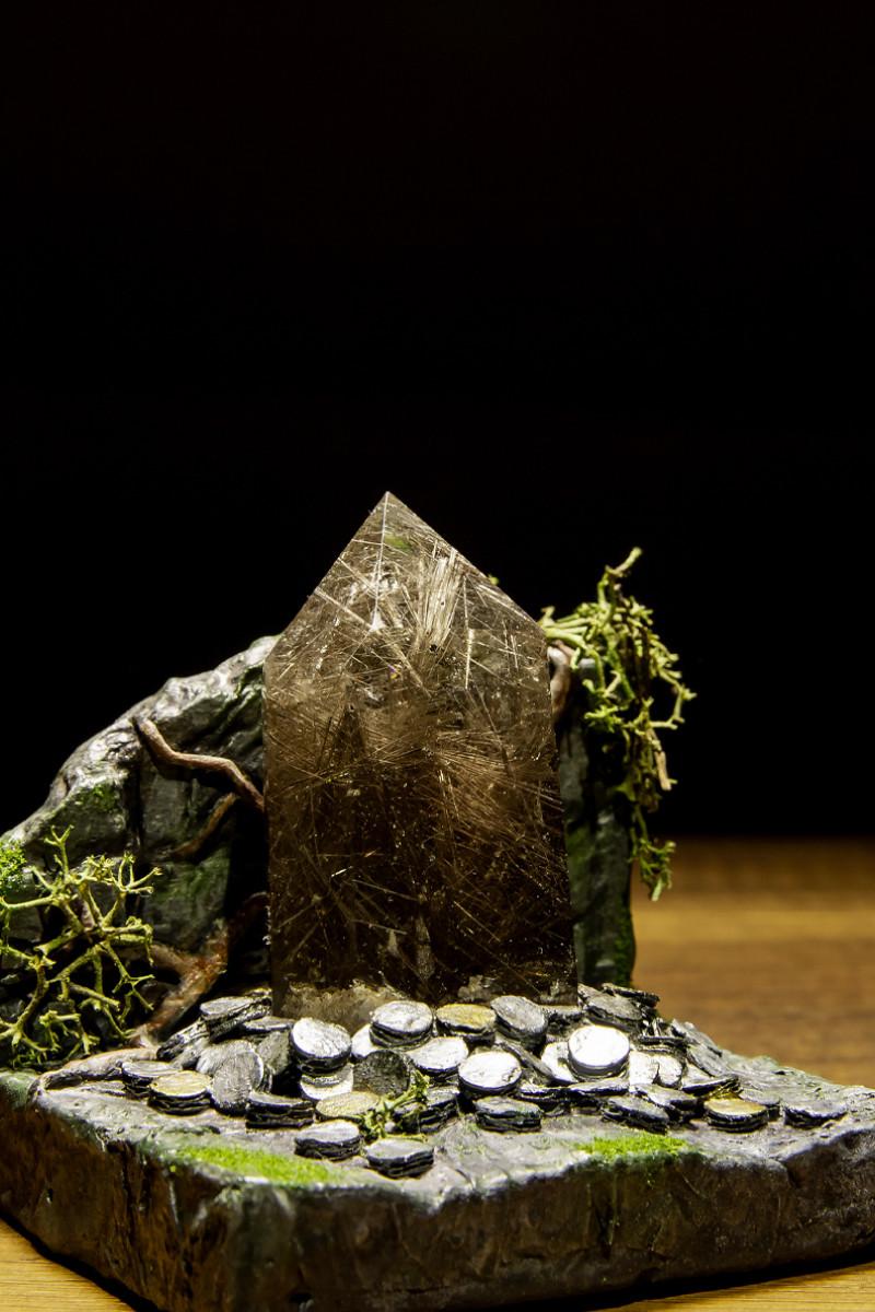 Rutilated quartz stone