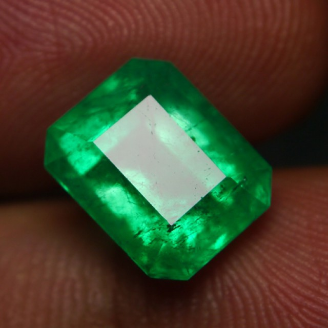 Emerald gemstone information