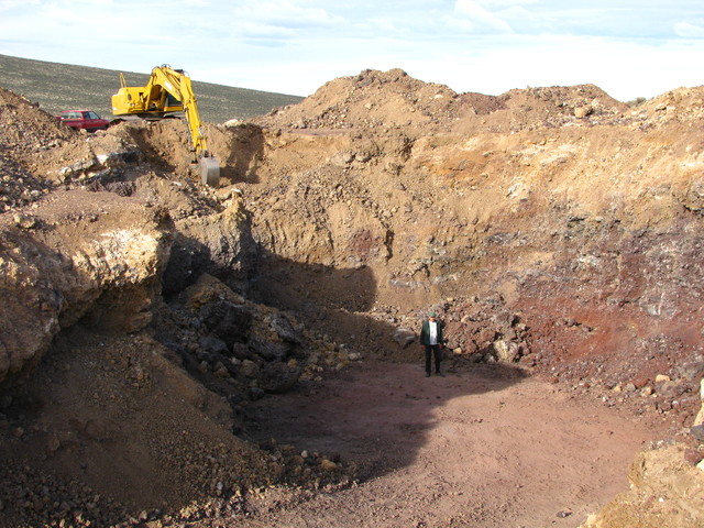 Mining Sunstones In Oregon USA