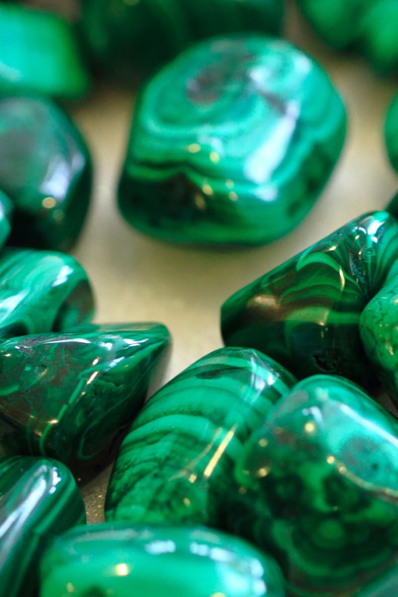 malachite gemstones