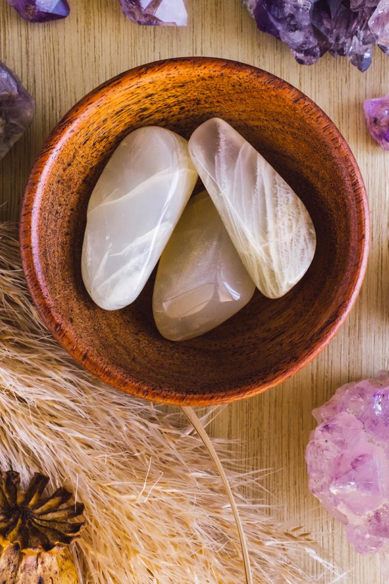 tumbled moonstone healing crystals