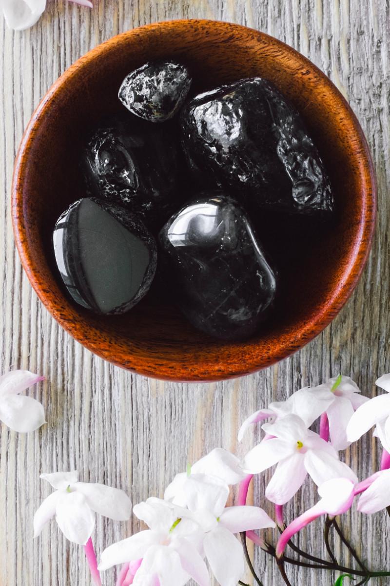 tumbled obsidian healing stones