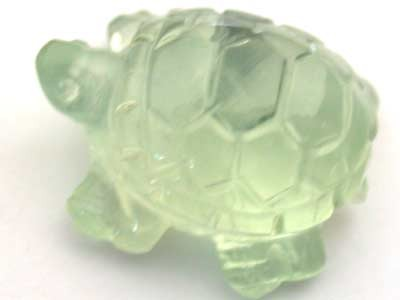 HANDCARVED LUCKY TURTLE PREHNITE  9.3 CARATS RO 1395