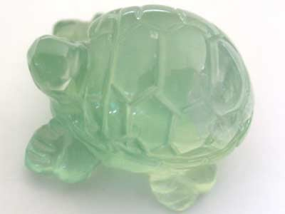 HANDCARVED LUCKY TURTLE PREHNITE  14.3 CARATS RO 1398