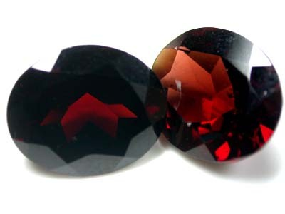 NATURAL GARNET OVAL SHAPE 2pcs 9.80 CARATS ROI 1507