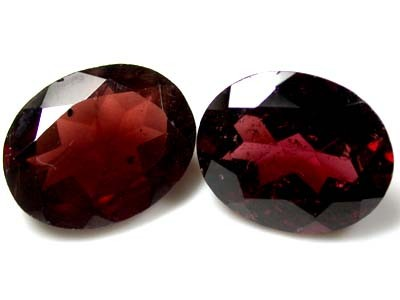 NATURAL GARNET OVAL SHAPE 2pcs 5.60 CARATS ROI 1516
