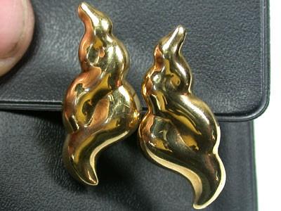 6.3 GRAMS 18K   GOLD   EARRING  6.3 GRAMS  L624