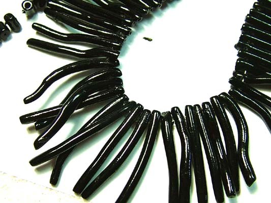 BLACK CORAL NECKLACE 37 GMS/ 185 CTS LG-932