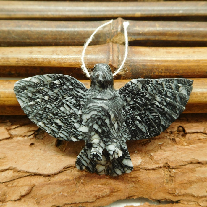 Picasso jasper carved raven pendant (G1064)