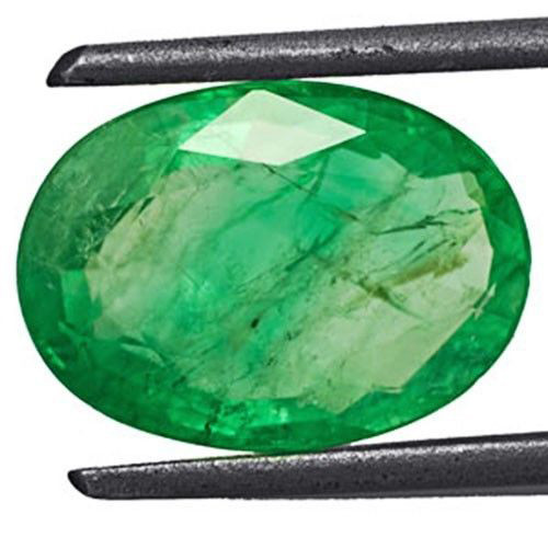 Colombia Emerald, 2.80 Carats, Lustrous Green Oval