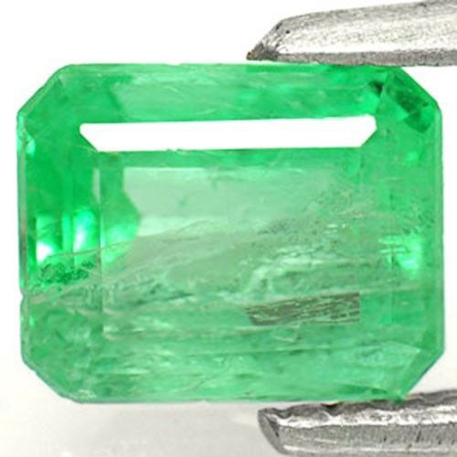 Colombia Emerald, 1.14 Carats, Grass Green Emerald Cut