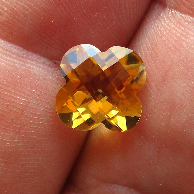 3.57cts Golden Yellow Citrine Flower Checker Board Shape