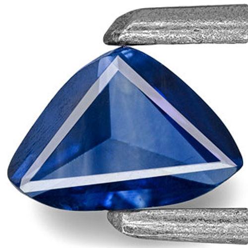 Madagascar Blue Sapphire, 0.31 Carats, Royal Blue (Color Zoning) Trilliant