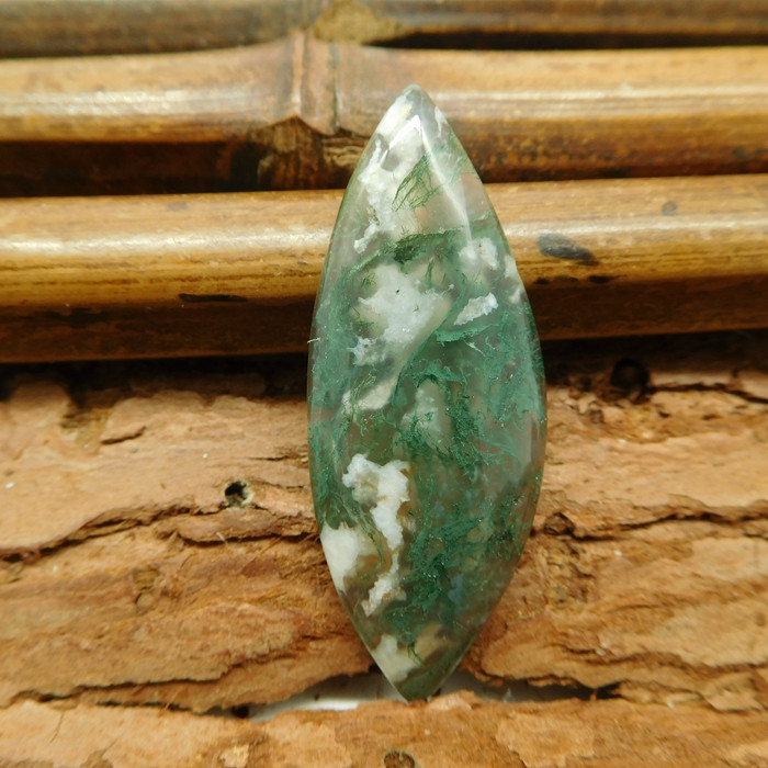 Moss agate cabochon (G1127)