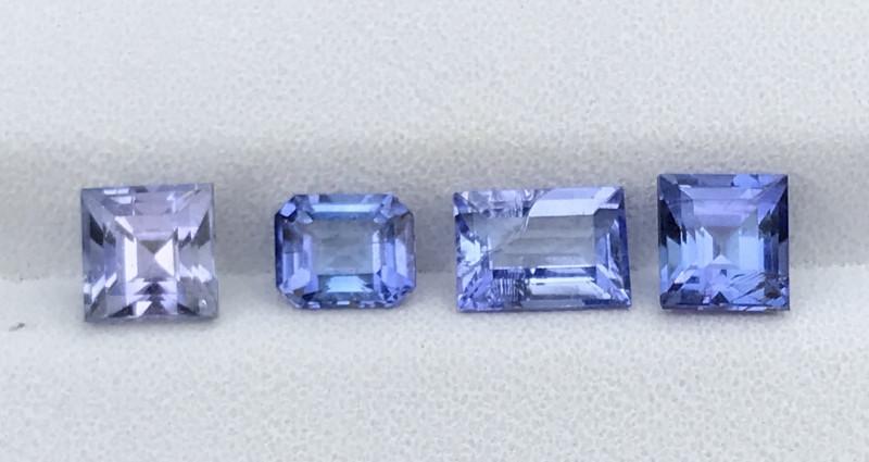 2.90 Carats Tanzanite Gemstones