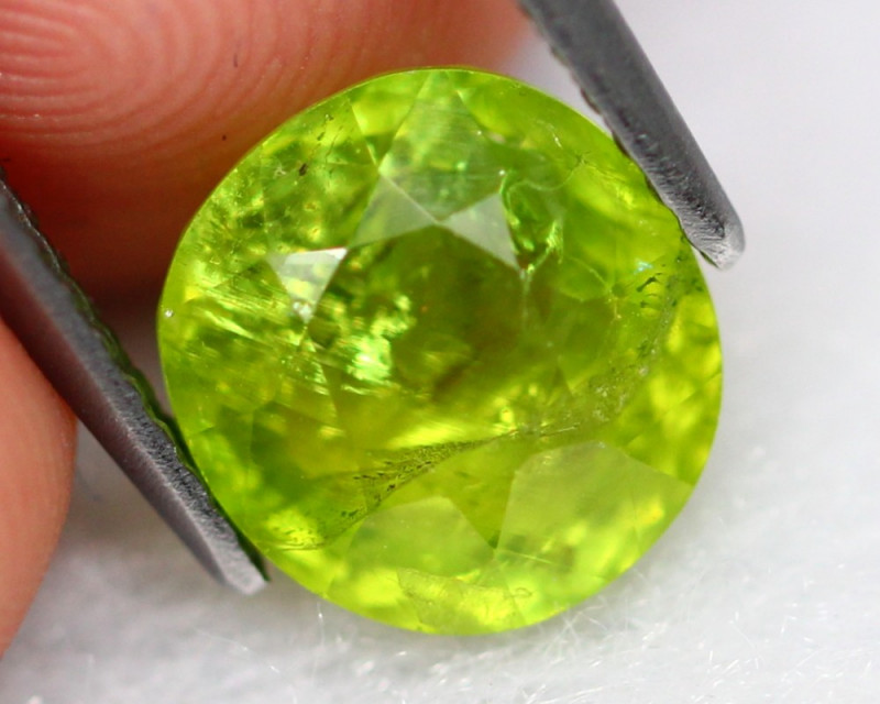 Grossular 3.20Ct Natural Green Grossular Garnet C1702