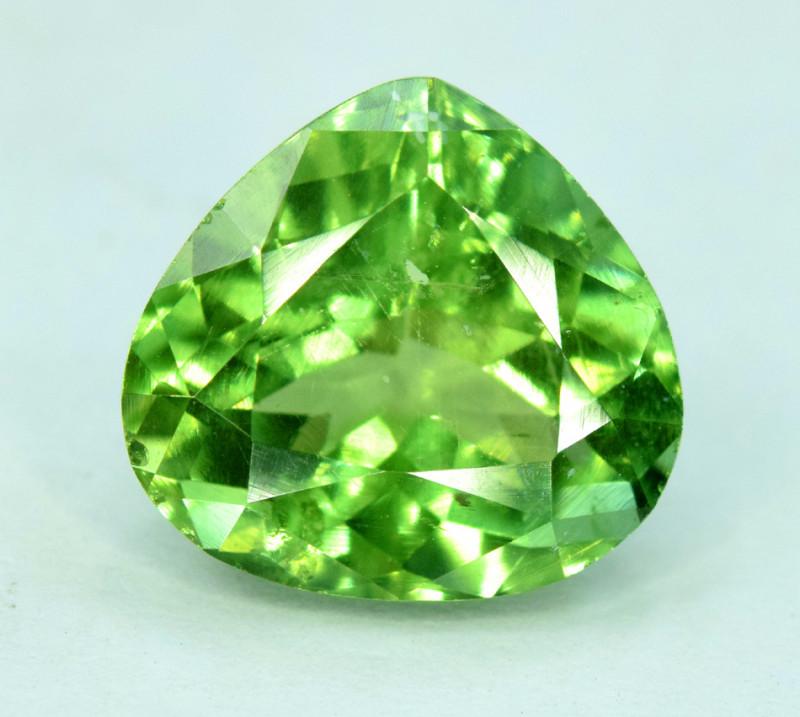 3.10 NATURAL APATTIE - YELLOW GREEN BRILLIANCE