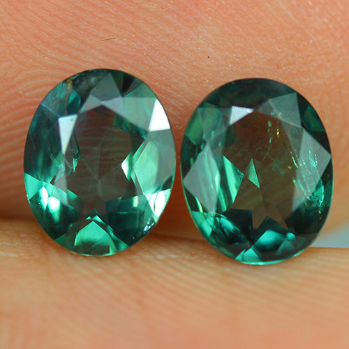 2.67 ct BLUISH GREEN OVAL SHAPE NATURAL ALEXANDRITE PAIR
