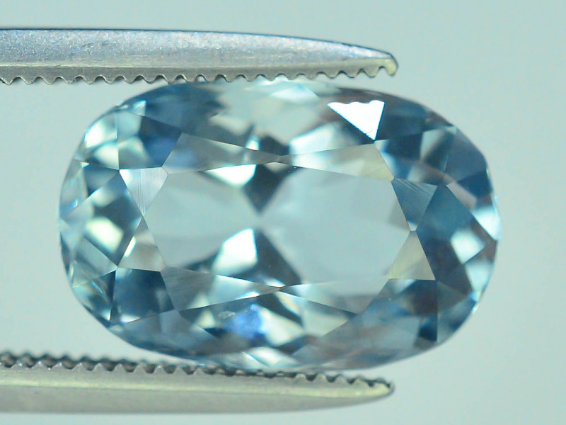 Top Grade 3.40 ct Attractive Color Aquamarine