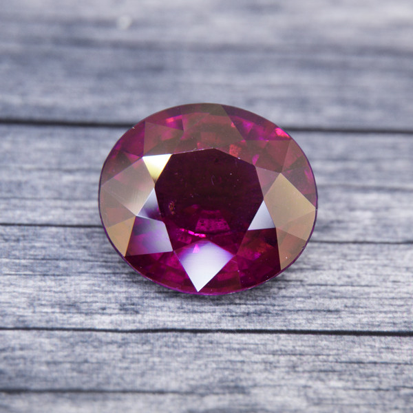 Untreated LARGE Rhodolite Garnet 6.88ct (00592)