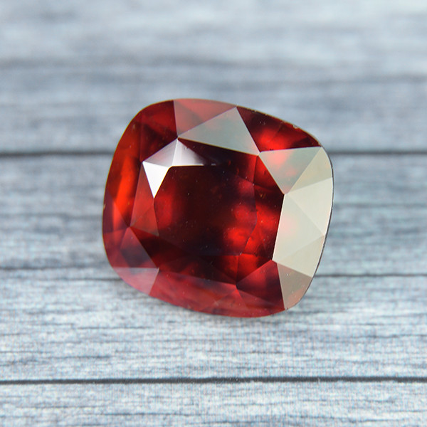 LARGE Red Hessonite Garnet 9.00ct (00792)