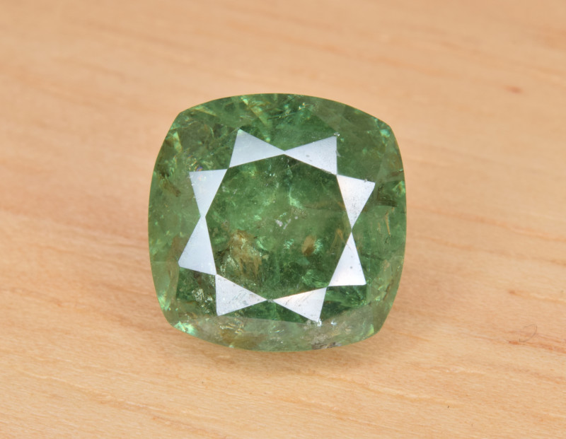 Natural Demantoid Garnet 7.33 Cts, Full Sparkle Faceted Gemstone
