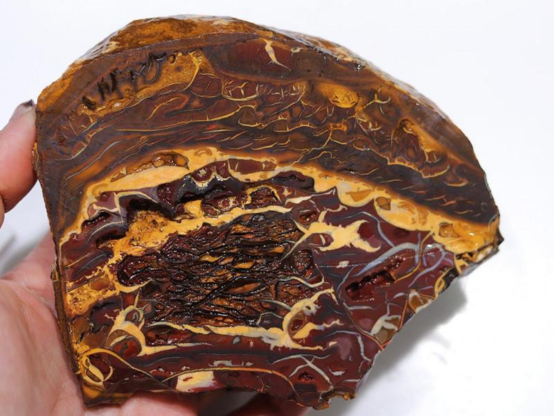 1300 CTS  CHOCOLATE  IRONSTONE  ROUGH /  WHITE  SILICA [F8102