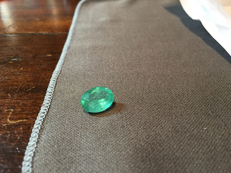 6,61ct Oval Colombian Emerald Colombian Emeralds Colombian Emeralds