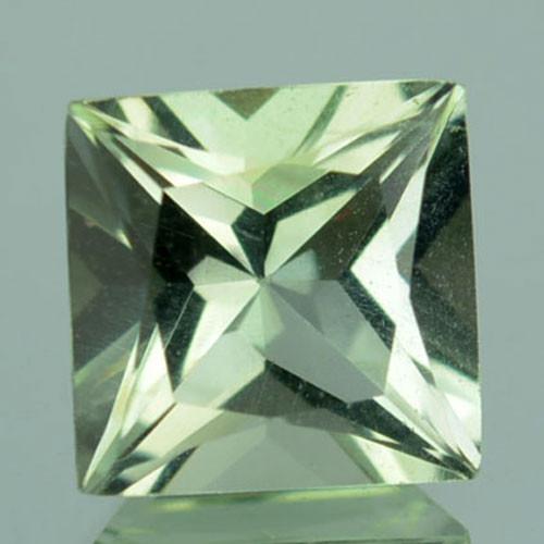 1.52 Cts Natural Green Prasiolite / Amethyst Square Brazil