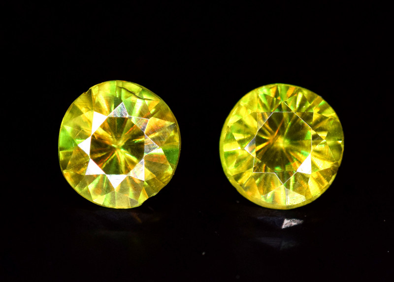 1.20 Carats Pair Of Sphene Gemstones
