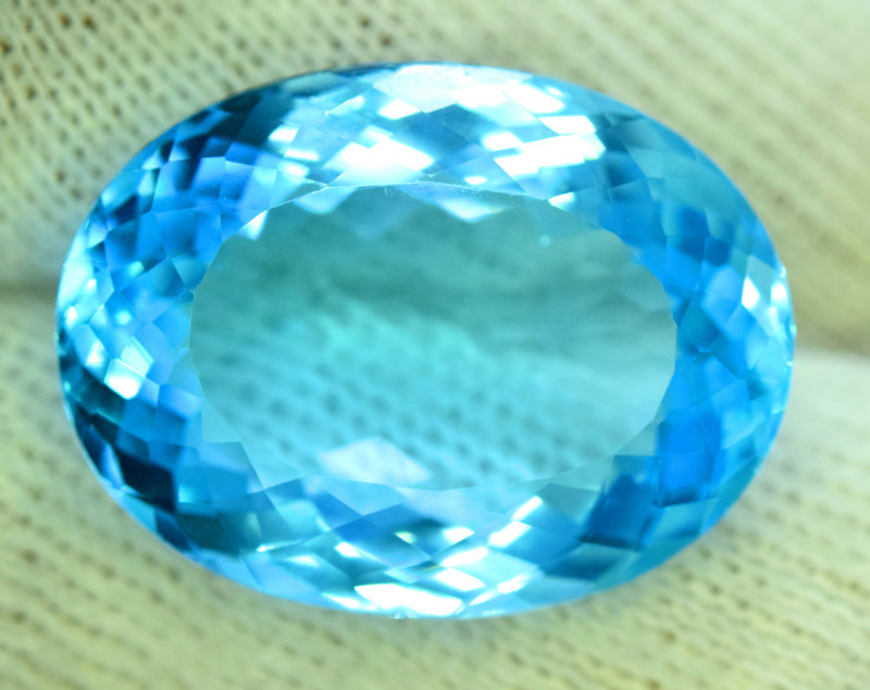 31.80 cts Electric Blue Topaz Gemstone