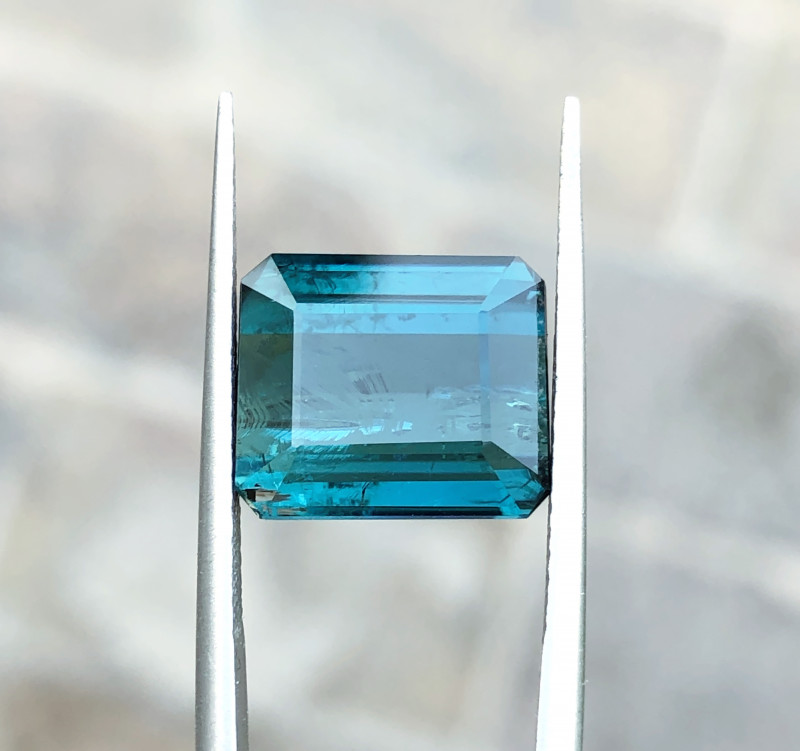 7.45 Ct Natural Blueish Transparent Tourmaline Gemstone