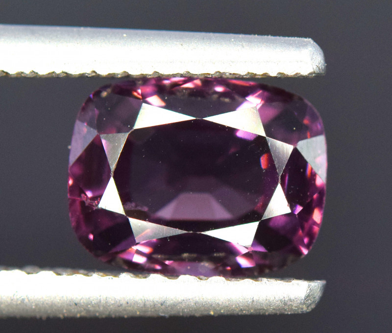 2.45 Carats Natural Spinel Gemstone