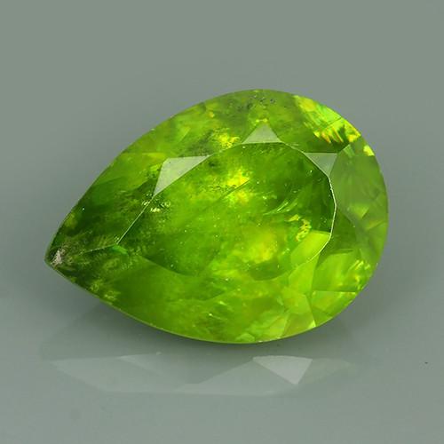 4.95 Cts:Lustrous Vivid Greenish Yellow Hue Natural Sphene!!