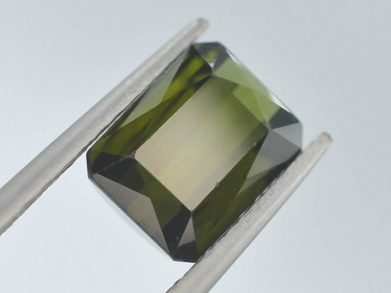 Top Color 2.75 ct Natural Green Color Tourmaline ~ A G