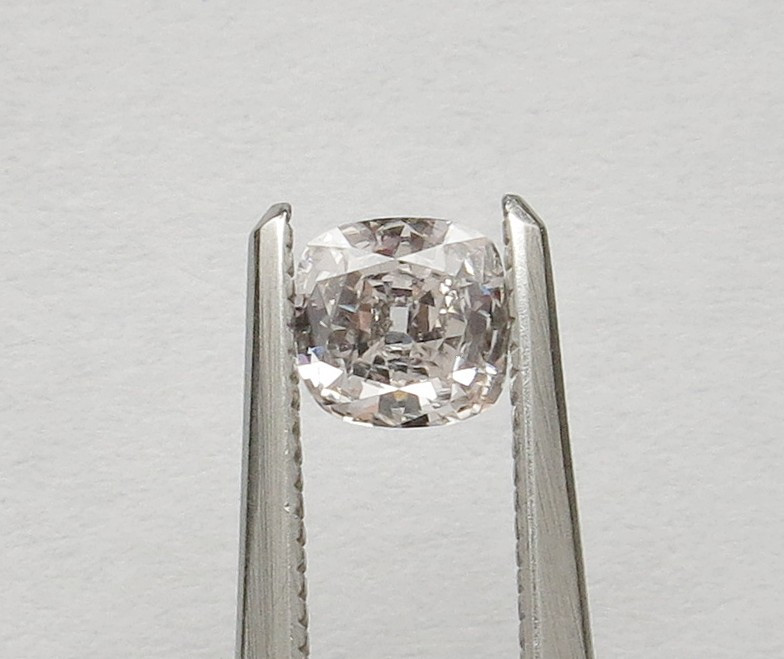0.41ct Natural cushion diamond I / SI2 Certified