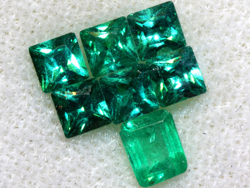 1.685- EMERALD FACETED GREEN STONE PARCEL CTS PG-2979