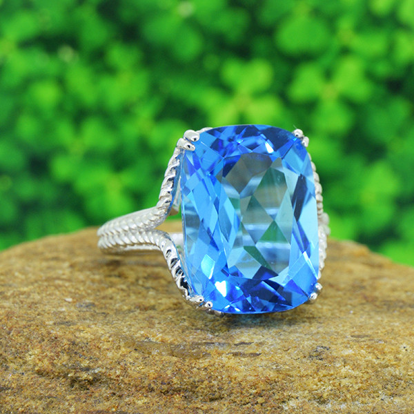 Natural Swiss Blue Topaz 925 Sterling Silver Ring SSR0546