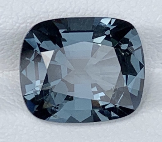 4.77 Carats Spinel Gemstones