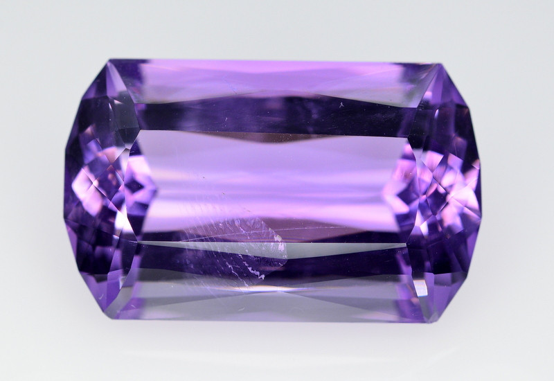 21.45 Ct Top Quality Natural Amethyst > Brazil