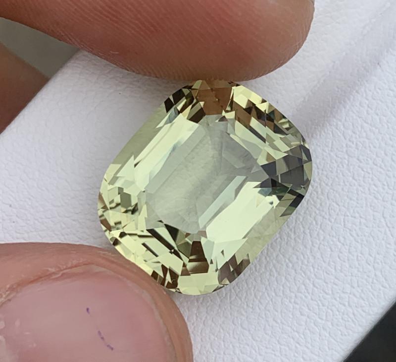 15.54 Carats Aquamarine Gemstones