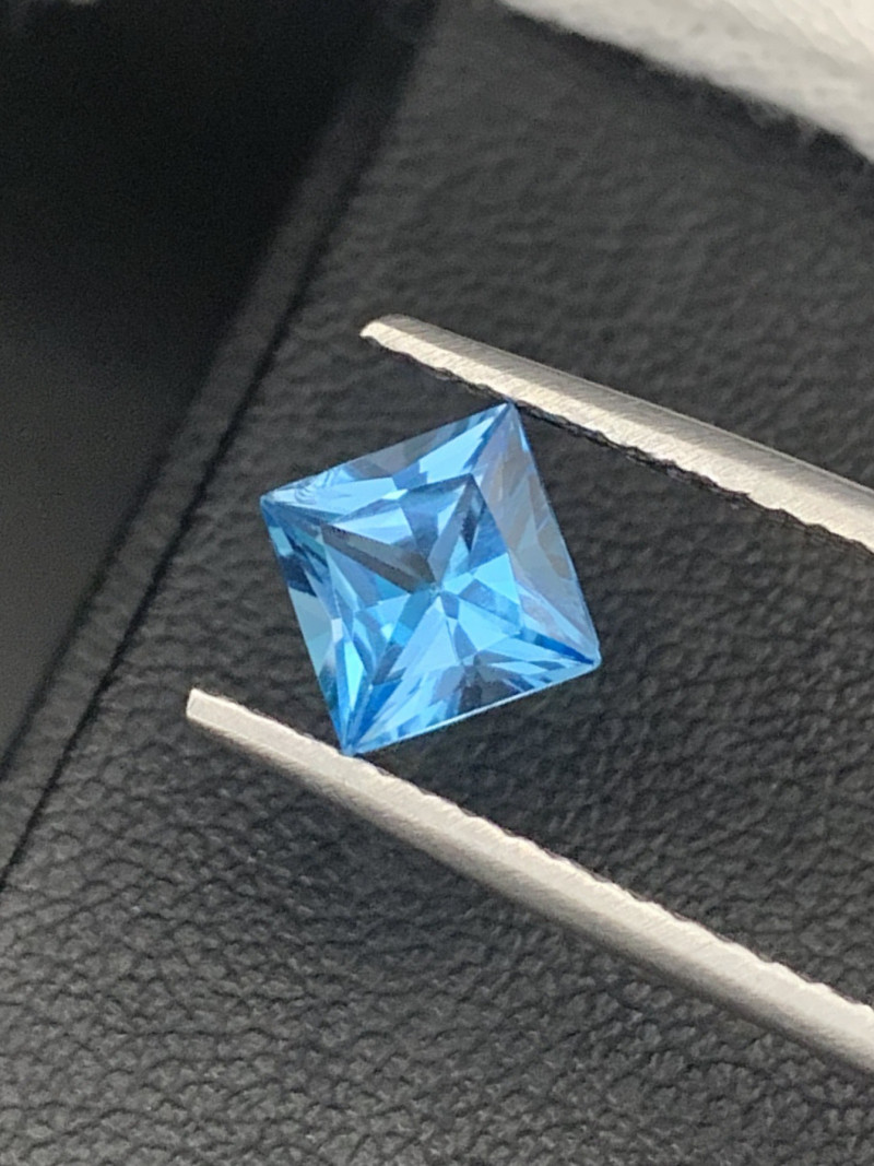 """""""NR"""" Top Quality Natural Topaz Master Cut 1.70 Cts"""