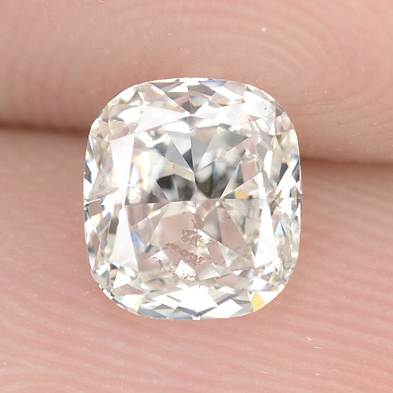 0.77 Cts Excellent Sparkling Untreated Natural White